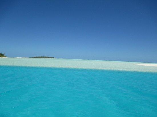 Aitutaki Escape: Lagoon