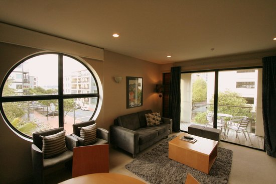 Latitude 37 Accommodation Ltd: 3 Bedroom Loft Living room