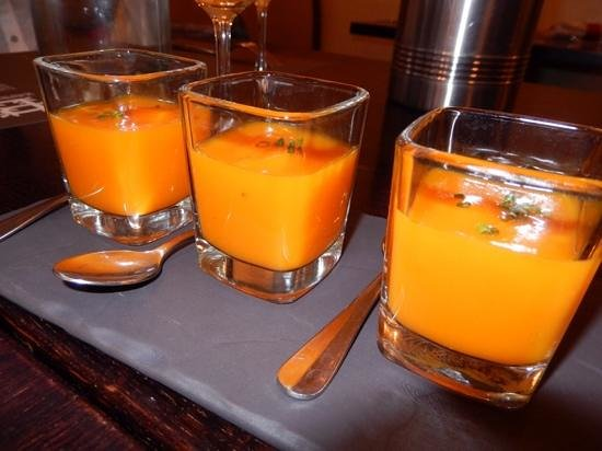Le Buisson Ardent: carrot puree shots