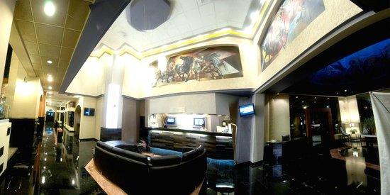 Hotel Pueblo Amigo Plaza & Casino: Front Office area