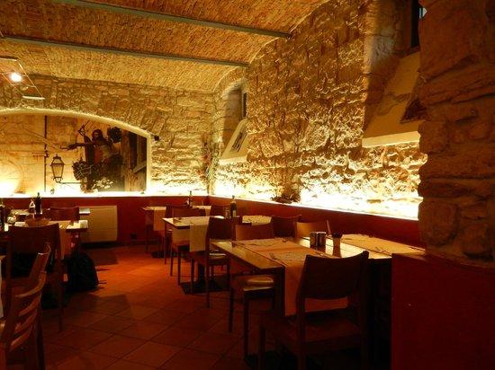 Restaurant Kantina Pula: Inside dining room