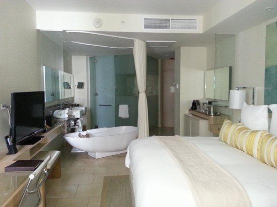 Trump International Hotel & Tower Panama: room