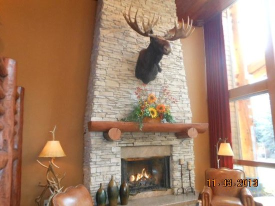 The Lodge at Jackson Hole: The lobby.