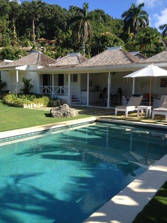 Round Hill Hotel & Villas : Private Pool