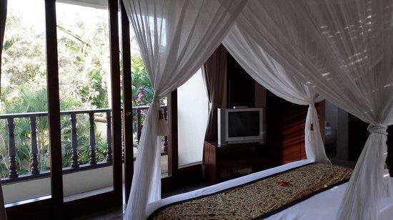 Pat-Mase, Villas at Jimbaran : Reverse shot view of balcony.
