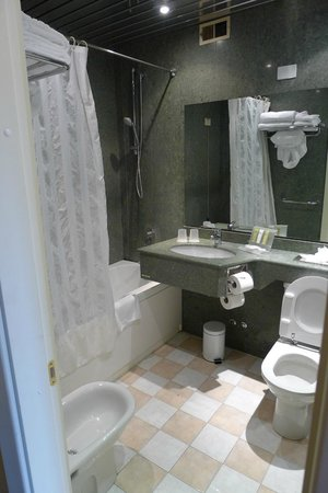 Crowne Plaza Rome - St. Peter's : Bathroom