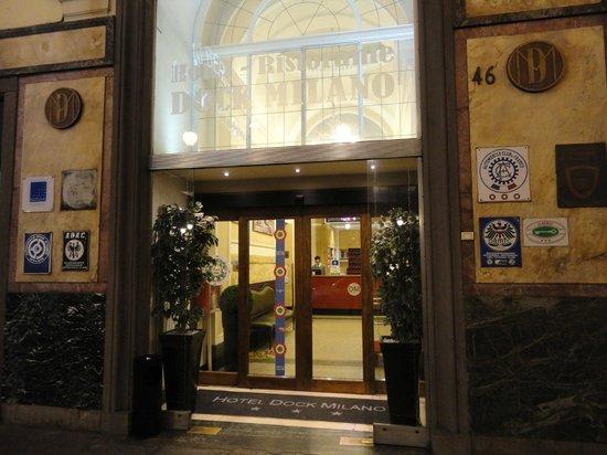 Hotel Dock Milano: Entrada