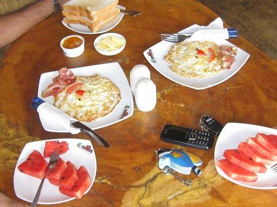 The Beach Lodge & Restaurant: breakfast