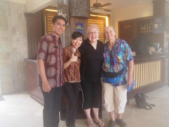 Best Western Kuta Villa : Some of the wonderful staff.
