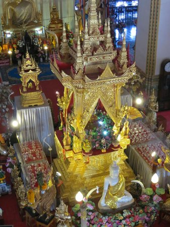 Khon Kaen, Thailand: Inside, can go up high for nice view: inside and outside