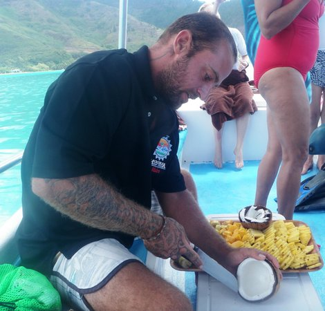 Moorea Boat Tours : Thanks for the snack and beverages!!