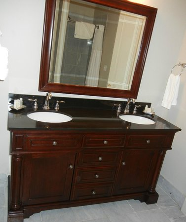Inn on St Ann : vanity in the Queen suite of the Marie Laveau annex