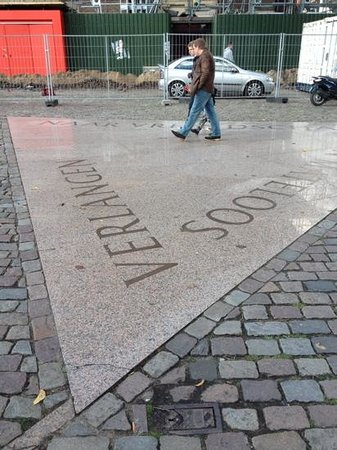 Amsterdam in World War II Walking Tour: Monument for homosexual men killed by the Nazi's