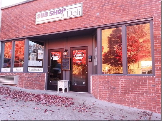 Smoky Mountain Sub Shop: Outside