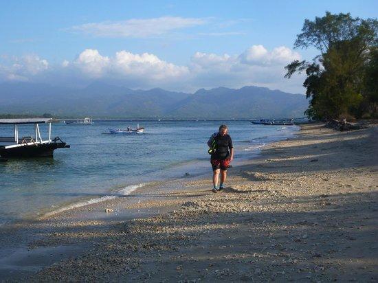 Gili Air Resort : Looking towards lombok
