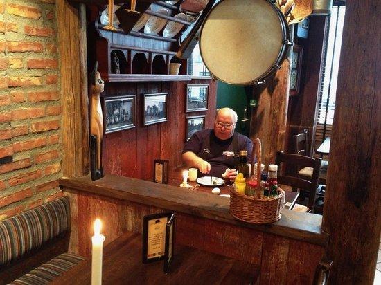 "Thon Hotel Bristol Bergen : Завтрак в отеле ""Бристоль"" (ресторан ""Эгон"")"