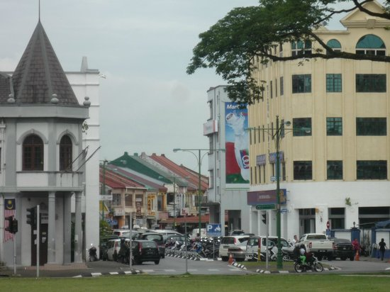 The Ranee Boutique Suites: Another streetscape in Kuching