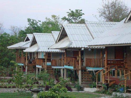 Baan Suan Violin: Older cottages