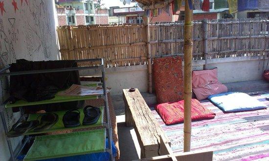 Alobar1000 Hostel : terrace