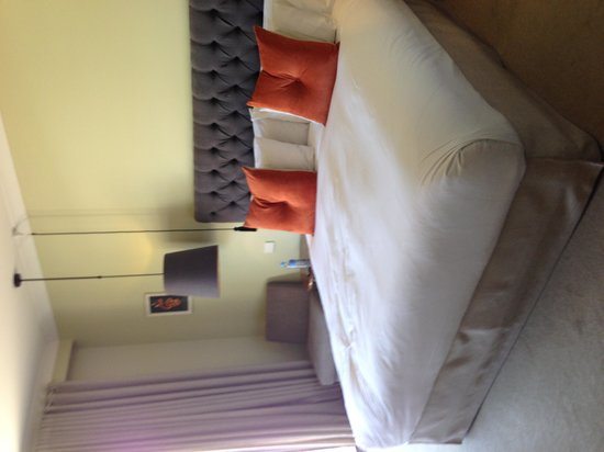 de Russie Boutique Hotel: bed