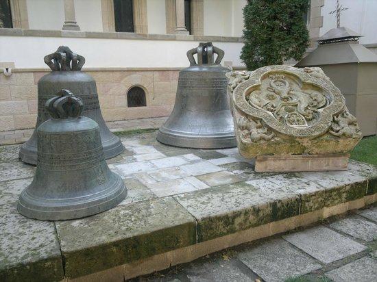 Church of the Three Hierarchs: Bells and Moldova's Emblem