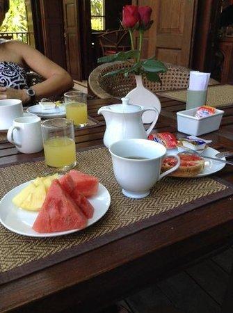 Baan Orapin Bed and Breakfast: petit dejeuner