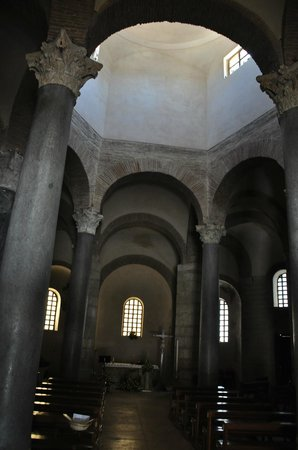 Chiesa di Santa Sofia : Внутри