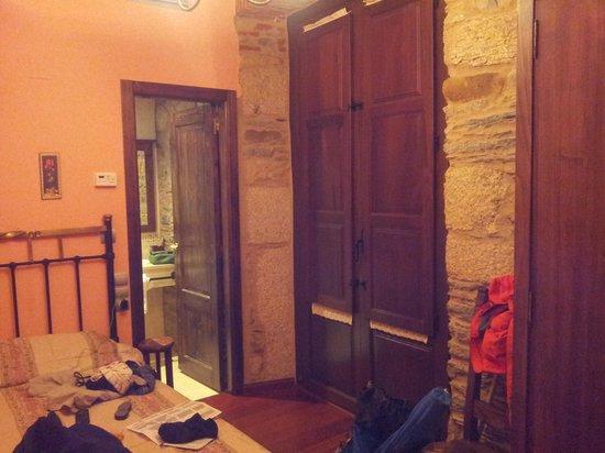 Hostal Virgen de la Encina: room on 1st floor