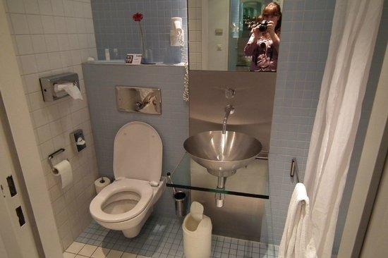 Park Plaza Berlin Kudamm: Ванная комната