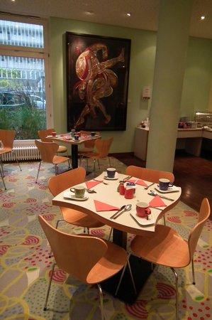 Park Plaza Berlin Kudamm: Ресторан в отеле. Завтрак