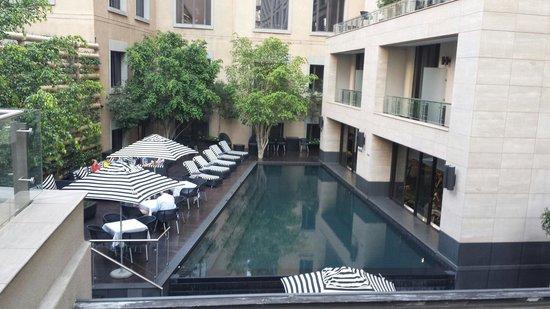 DaVinci Hotel and Suites: Pool area