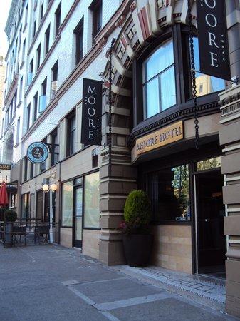 Moore Hotel : Entrance