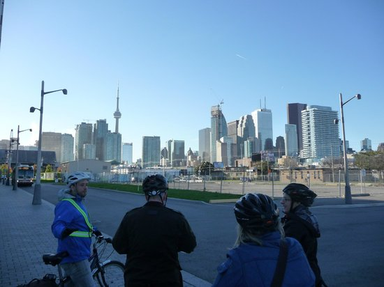Toronto Bicycle Tours : Beautiful way to see Toronto