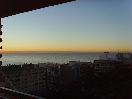 Hotel Maya Alicante: vue de la chambre