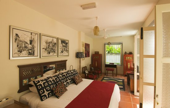 23 Love Lane: Anglo Indian Bungalow - Garden Suite