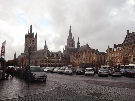 In Flanders Fields Museumcafe: Ypres Cloth Hall