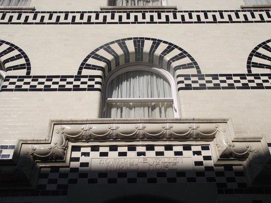 Grange Langham Court: Detalle de fachada