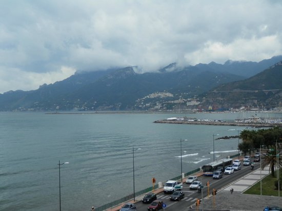 Grand Hotel Salerno: view of Salerno