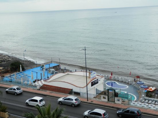 Grand Hotel Salerno: view from room