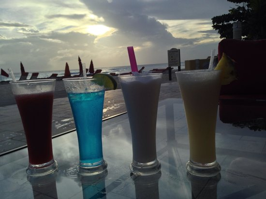 Ocean Two Resort & Residences: Cocktails, watching the sunset!