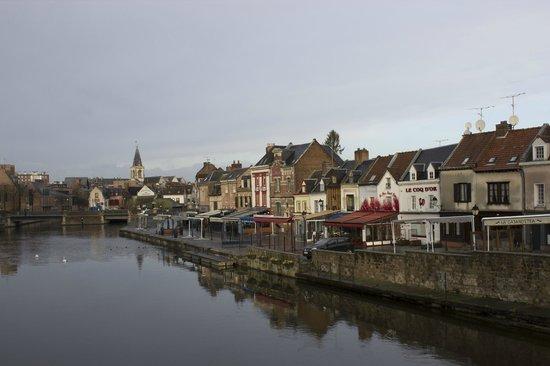 Saint-Leu : View along the river