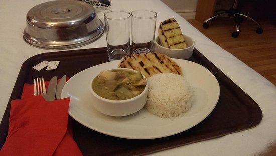 Ibis Styles Birmingham Airport NEC: Thai curry