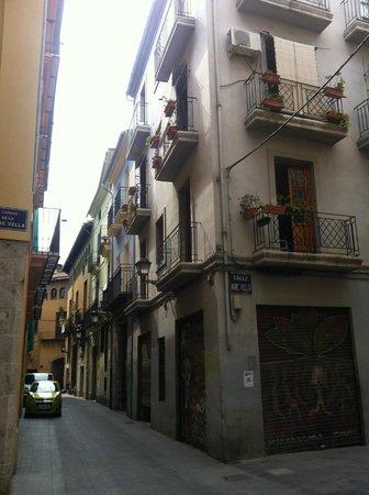 Bluemoon Apartments: Вид со стороны улицы