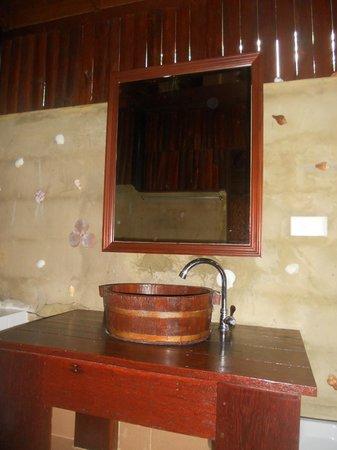 Lipa Bay Resort : bungalow 3