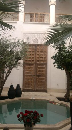 Riad Matham : vue sur une chambre: style marocain préservé