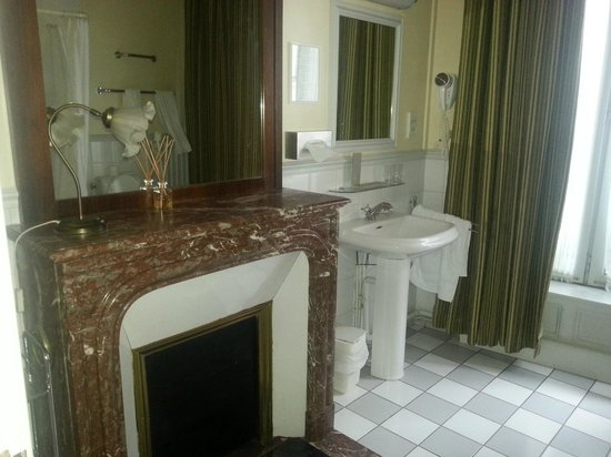 Hotel Langlois : Ванная комната