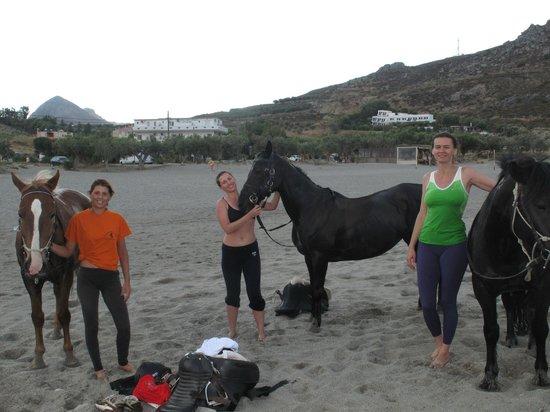 Alianthos Horse Riding : beach