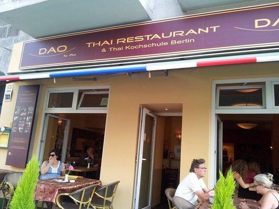 Thai-Restaurant DAO by Meo: บริเวณหน้าร้านค่ะ
