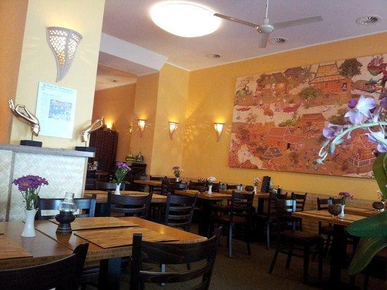 Thai-Restaurant DAO by Meo: บรรยกาศในร้านค่ะ