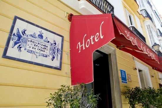 Hotel Las Cortes De Cadiz: Entrada del Hotel